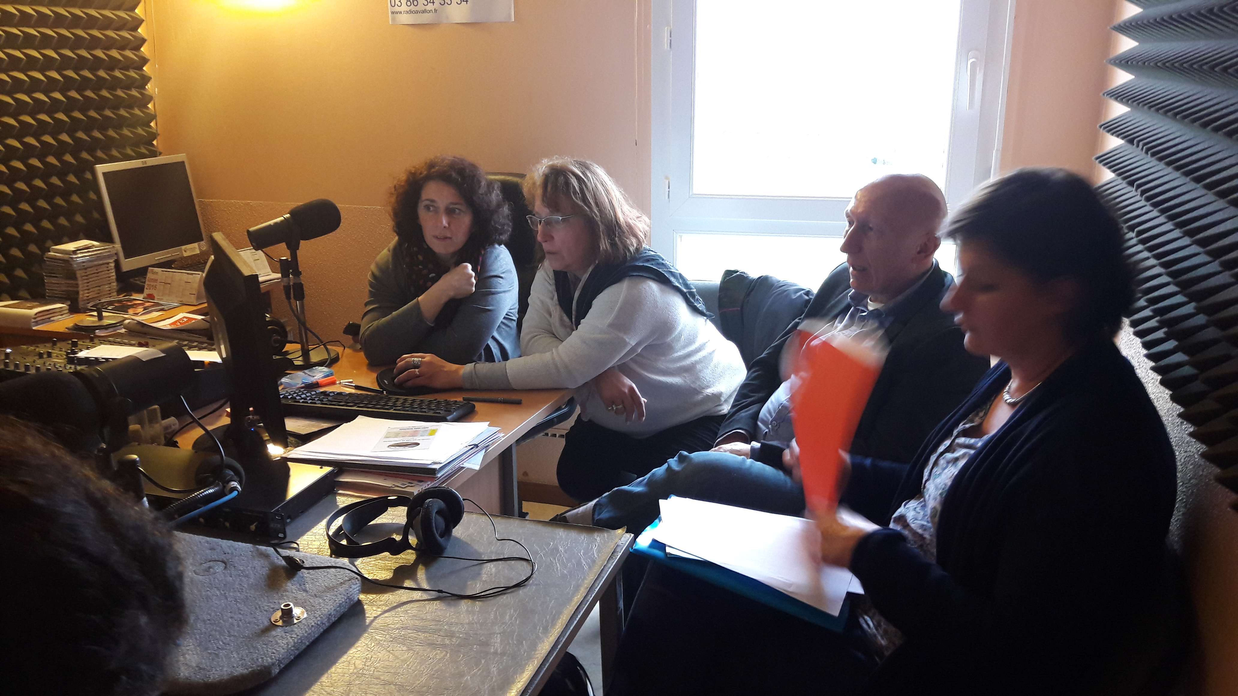 STAGE RADIO 89 Radio Avallon - Maria explique la  technique radio