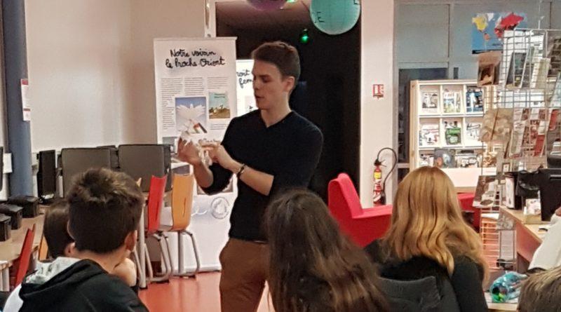 Des cartes de journalistes pour les élèves de la classe presse du Collège Denfert Rochereau – Auxerre